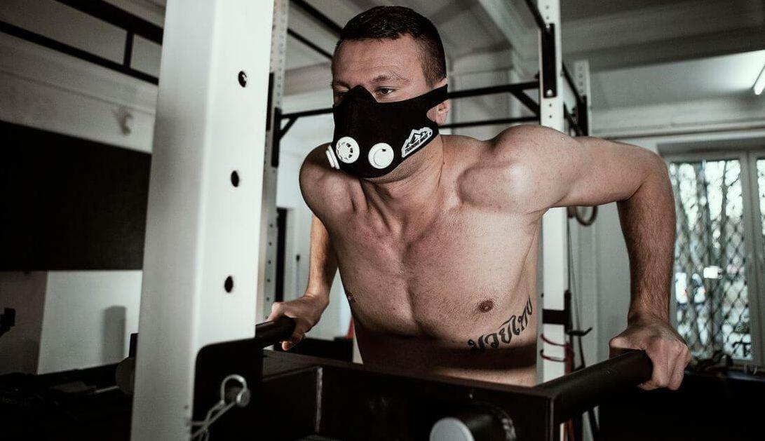 maska treningowa - trening siłowy